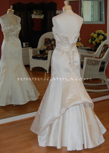 More french bustles for Wedding dress train bustle